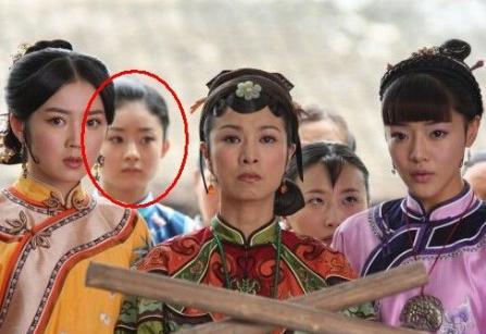 最令人聯想的穿幫鏡頭,張馨予趙麗穎露啥了,李晨看的臉都紅了!