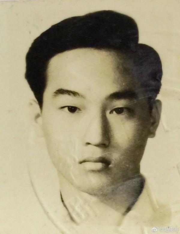 趙又廷父親曬16歲舊照:遺傳基因這麼強大,mark千萬別生女兒