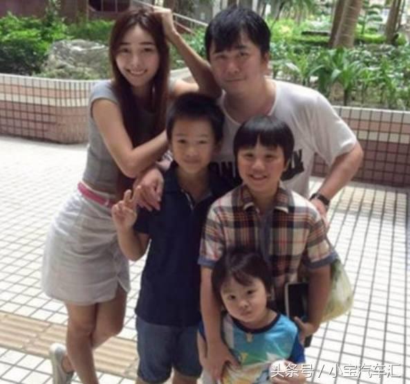 2歲養家,父親買豪車後媽整容,2年敗光1800萬,如今13歲長成這樣